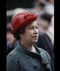 Queen Elizabeth II wearing red hat July 1987