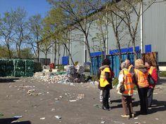 Centre de tri des déchets à Bruxelles pour le recyclage du plastique, métal, carton et papier