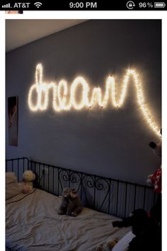 """Dream"" room decor I think this is so awesome!"