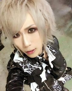 Aw he looks so handsome ❤ #royz #kuina #king #mylove #beautiful #subaru #koudai…