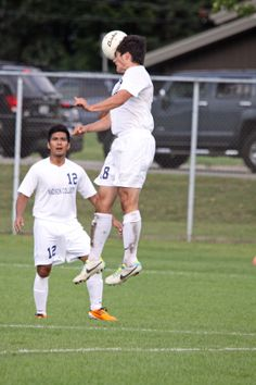 Matthew Bodeau elevates for the header.
