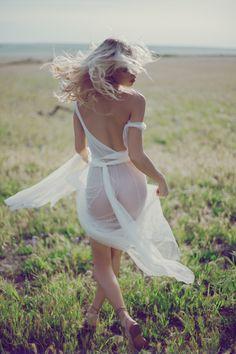 Field-Dreams-Fashion-Editorial-Kimberley-Gordon12