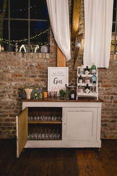 Vintage Wedding Theme, Wedding Themes, Wedding Photos, Gin Bar, Thrift Store Crafts, Wedding Activities, Bar Drinks, Anniversary Parties, Vintage Decor