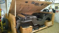 Era assim que os jipes eram transportados na Segunda Guerra Mundial