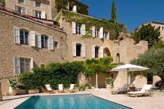 villa in provence. One day we'll hire this and spend a month here girls!! :)