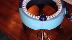 Hvordan strikke en hals / How to knit a scarf - Prym Maxi knitting mill Addi Knitting Machine, Circular Knitting Machine, Loom Knitting, Knitting Patterns, Bra Storage, Diy Nightstand, Built In Wardrobe, Jewelry Case, Diy Design
