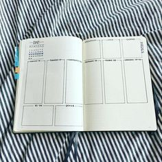 Instagram media by monochromespirit - This weekly spread has so much space for my tasks. It is going to be a very busy week, so I needed as mich space as possible for my dailies. #bulletjournal #bujo #bulletjournaling #bulletjournaljunkies #bulletjournalgermany #bujogermany #leuchtturm1917 #zebramildliner