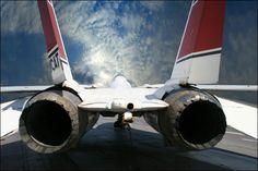 「トップガン」「ファイナル・カウントダウン」などのハリウッド映画や「アフターバーナー」「エリア88」など数々のゲーム・コミックに登場し、華を添えてきたアメリカ海軍の傑作戦闘機F-14トムキャットの画像で...