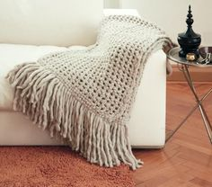 Loving these cozy chunky knit blankets