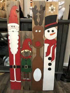 Learn how to make fun and easy DIY wooden Christmas decorations on a budget with wooden pallets. Most of the supplies you need can be bought at your local dollar store and they'll make really cheap holiday decorations for your front porch. Pallet Projects Christmas, Christmas Wood Crafts, Christmas Signs Wood, Noel Christmas, Holiday Crafts, Cheap Holiday, Handmade Christmas, Diy Projects, Snowman Christmas Decorations