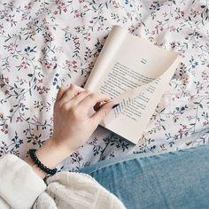 """666 Gostos, 1 Comentários - Bookstagram to pasja (@bookstagramtopasja) no Instagram: """"I kończymy takim przytulnym akcentem  dobrego wieczoru! fot. @la.lua #bookstagramtopasja"""""""