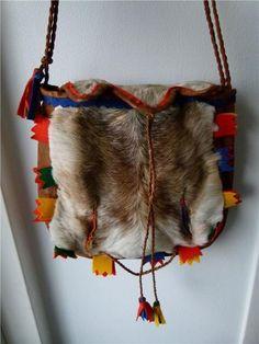 Vintage sami bag in reindeer fur Hunting Bags, Lappland, Native Style, Samara, Second Hand, Bushcraft, Folklore, Leather Craft, Handicraft