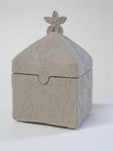 slab built ceramic box from Colorado Art Studio Ceramic Boxes, Ceramic Jars, Ceramic Clay, Hand Built Pottery, Slab Pottery, Ceramic Pottery, Pottery Wheel, Pottery Mugs, Pottery Bowls