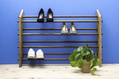 The perfect shoe rack for small hallways where you do not have to compromise visually. Moodstand can stand on the floor or be mounted on the wall. Colorful Furniture, Diy Furniture, Interior Blogs, Small Hallways, Smart Design, Diy Bedroom Decor, Home Decor, Scandinavian Design, Woodworking