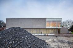 Gallery of Multisports Hall Mouvaux / de Alzua+ - 12