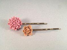 Dusty Pink & Light Brown Resin Flower Brass Bobby by SQUAREPEGMEG, $7.00