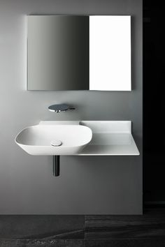 SaphirKeramik Ino washbasin with console - Designer Single washhand basins by Laufen ✓ Comprehensive product & design information ✓ Catalogs ➜ Get inspired now Bathroom Furniture, Bathroom Interior, Modern Bathroom, Bathroom Ideas, Laufen Bathroom, Bathroom Collections, Bathroom Accessories, Basin, Interior Architecture