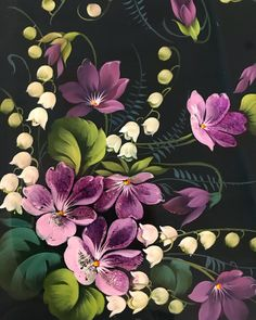Жостовские цветы встречают весну первыми - подснежники, мимозы, ирисы, маки, ромашки, одуванчики, ландыши, ну и, конечно, классические розы и пионы - уже распустились на подносах самых разных цветов и форм! . ☝️Оригинальный жостовский поднос с ручной авторской росписью - отличный подарок к празднику для любимых! . Ждём Вас ежедневно с 10:00 до 22:00 в салоне «Жостово» в ГУМе! . До встречи! . Телефон для справок +74956203372 . #8марта #бизнесподарок #жостовскаяфабрика #жостово #шкатулка #...