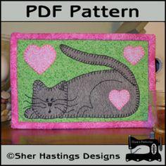 Kitten Mug Rug - Cat Mini Quilt Free Applique Pattern | YouCanMakeThis.com