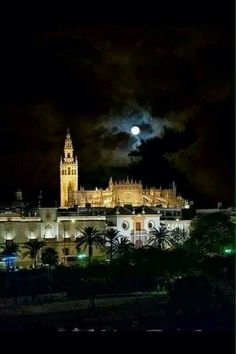 Sevilla de noche