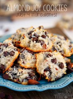 Are you an Almond Joy fanatic? Or do you just love coconut and chocolate? Try this recipe for Almond Joy Cookies, and you will! Chocolate Chip Cookies, Almond Joy Cookies, Chocolate Chips, Coconut Chocolate, Unsweetened Chocolate, Lemon Cookies, Chocolate Dipped, Köstliche Desserts, Delicious Desserts