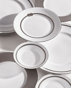 Dinnerware, Flatware, Glasses, Decor, and Gifts by Vera Wang