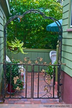Gates, Barriers and Fences - 107261102410274396807 - Picasa Web Albums