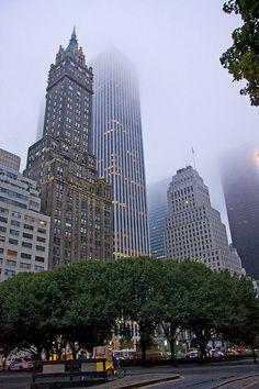 New York City - New York - USA (von Matt Champlin) NYC New York City Travel Honeymoon Backpack Backpacking Vacation Photographie New York, Travel Photographie, New York City, Places To Travel, Places To Visit, Ville New York, City Vibe, Empire State Of Mind, City Aesthetic
