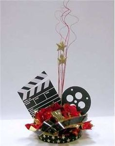 Hollywood Movie Theme Party DIY Centerpiece Kits, supplies, sign in boards, candle lighting ceremony candelabra. Oscar Night and Red Carpet Theme Party Dance Themes, Prom Themes, Movie Themes, Hollywood Party, Hollywood Glamour, Movie Night Party, Party Time, Movie Nights, Deco Cinema