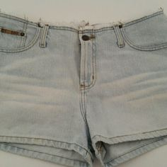 l.e.i. Cotton Denim Shorts Junior Size 13 l.e.i. Cotton Shorts. Juniors Size 13. Gently used.  Thank you for your interest. Please feel free to contact me with any additional questions. lei Shorts Jean Shorts