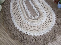 Crochet Carpet, Crochet Home, Diy Crochet, Crochet Doily Patterns, Crochet Doilies, Oval Rugs, Chrochet, Crochet Projects, Diy And Crafts