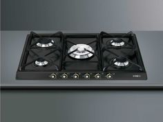 Smeg SR775AOD Gaskochfeld Anthrazit autark Loft Style Homes, Felder, Stove, Kitchen Appliances, Ideas, Cooking, Diy Kitchen Appliances, Home Appliances, Range