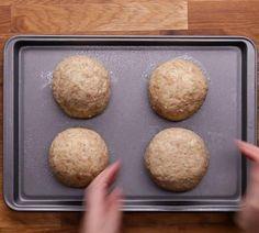 Bombes de pommes de terre farcies - Recettes - Ma Fourchette Bread, Food, Stuffed Potatoes, Bombshells, Dish, Recipes, Brot, Essen, Baking