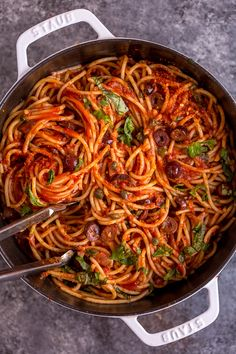 Pasta Puttanesca is one of our favorite date night dinners! The ultra flavorful sauce is made with anchovies,capers, olives, garlic, and crushed red pepper flakes! Healthy Pasta Recipes, Veg Recipes, Italian Recipes, Real Food Recipes, Noodle Recipes, Pasta With Olives, Pasta Puttanesca, Pasta Recipes, Noodles