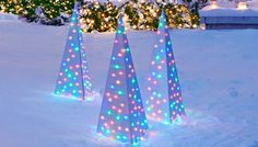 Here are some great ideas for DIY creative outdoor Christmas light ideas to really make you want to celebrate the holiday season! Diy Christmas Lights, Christmas Yard, Decorating With Christmas Lights, Outdoor Christmas Decorations, Holiday Lights, Christmas Projects, Light Decorations, Holiday Crafts, Christmas Holidays
