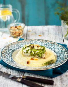 Kauniin vihreä tillipesto kuorruttaa nopeasti valmistuvan uunikalan ja pitää sen mehevänä. | K-Ruoka #kala