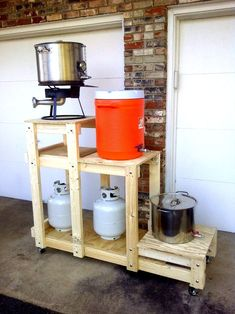 My Wood Brew-traption (brew stand) - Home Brew Forums - Home Decor Ideas Beer Brewing Kits, Brewing Recipes, Beer Recipes, Brew Stand, All Grain Brewing, Home Brewing Equipment, Home Brewery, Brew Pub, Beer Tasting