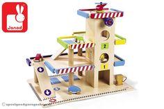 Janod Garage met 4 wagens | Speelgoedgarageshop.nl