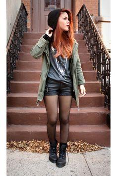I'd like it better with different boots and a black jacket instead of a green one but great outfit over all.