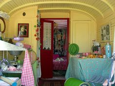 staying in gipsy caravans and taking crochet classes in the south of France... mmm... (see eclectic gipsyland)