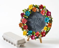 Earth Day Egg Carton Wreath #recycled #craft #earthday
