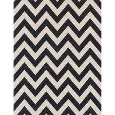 £83 Black and white monochrome zig zag rug