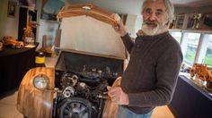 Michel Robillard a construit cette 2 CV en bois, prête à rouler !
