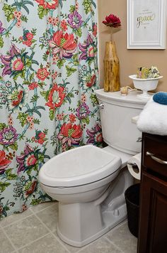 "Is it possible to be ""in love"" with a toilet? Cheryl Sousan of Tidy Mom says she's in love with THIS toilet. She says the American Standard VorMax Flush Toilet might be the closest thing to a self cleaning toilet she ever had. And that's not all! Click through to see why this toilet is awesome."