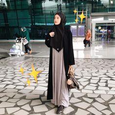 Hijab Style Dress, Modest Fashion Hijab, Street Hijab Fashion, Casual Hijab Outfit, Muslim Fashion, Fashion Outfits, Stylish Hijab, Hijab Chic, Ootd Hijab