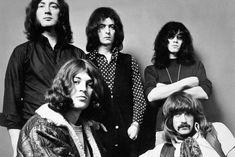 """Deep Purple (MK II). Segunda formação e mais importante. Com Roger Glover, Ritchie Blackmore, Ian Paice, Ian Gillan e Jon Lord. Com esta formação, ouça:  Machine Head, o """"ao vivo"""" Made in Japan e Perfect Strangers."""
