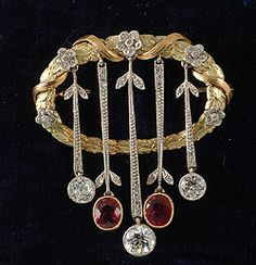 Edwardian gold and platinum diamond and natural Burmese rubies on movable drops 1910c superb