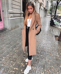 beautiful autumn and winter outfits # casualoutfitsotoño Find the most beautiful o . - beautiful autumn and winter outfits # casualoutfitsotoño Find the most beautiful outfits for y - Spring Outfits Women, Cute Winter Outfits, Winter Fashion Outfits, Classy Outfits, Fall Outfits, Casual Outfits, Paris Winter Fashion, Beautiful Outfits, Europe Outfits