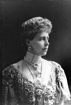 Adele, Romanian Royal Family, Queen Victoria Family, Imperial Russia, Circlet, Kaiser, Vintage Photographs, British Royals, Edinburgh