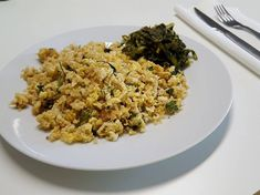 Frango à brás com quinoa... nova receita que vamos partilhar com vocês: frango à Brás mas desta vez com quinoa. Podem ver outras receitas de frango a brás aqui: O que levou: – 125g de peito de frango; – 60g de…